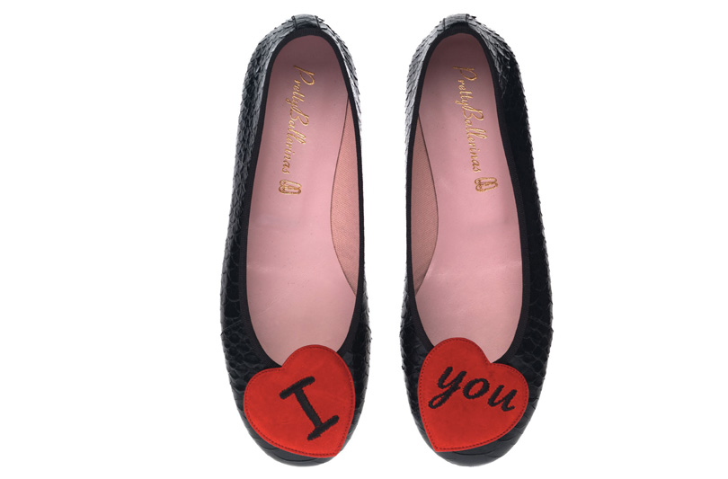 "PRETTYBALLERINAS SAYS ""I LOVE YOU"""