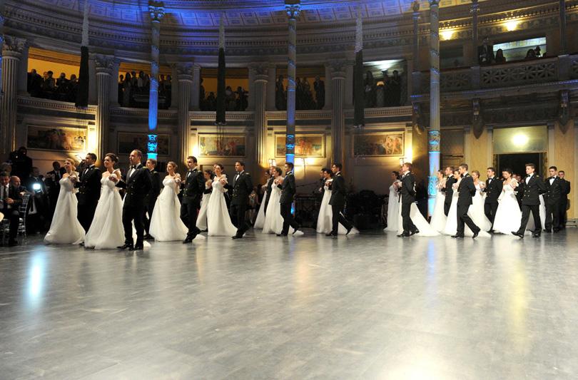 Gran Ballo Viennese: un valzer da sogno per le 48 debuttanti