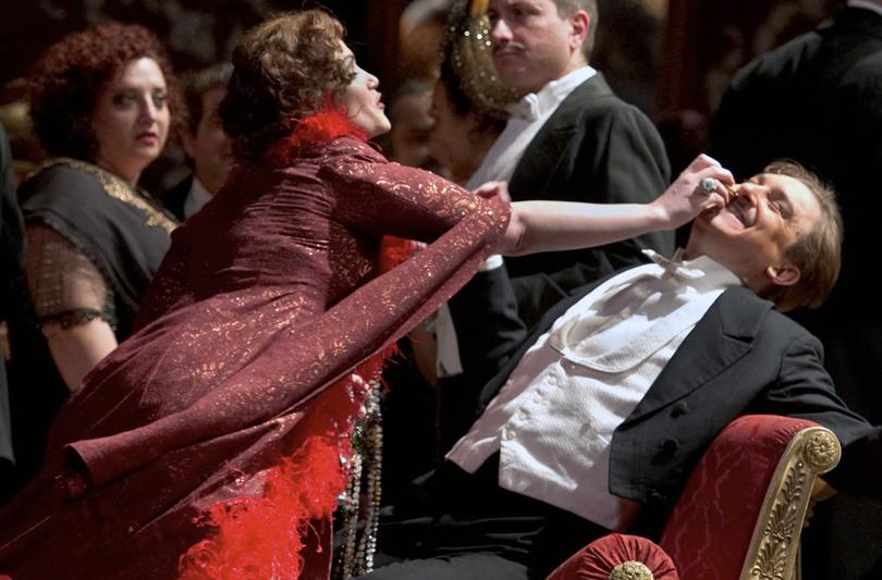 Gioielli di Gianni De Benedittis per La Traviata di Ozpetek