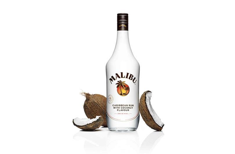 Malibu: nuovo logo e nuova bottiglia per  il rum al cocco più imprevedibile che ci sia