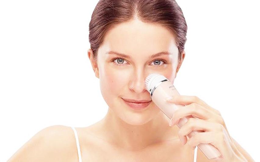 VisaPure: Philips inventa la spazzola per una pulizia profonda e delicata del viso