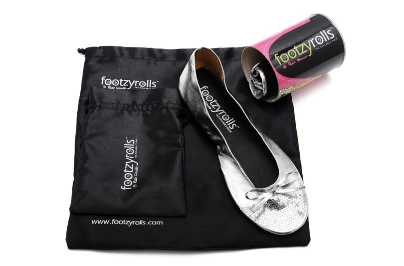 FootzyRolls le ballerine arrotolabili d'emergenza  in dono a tutte le invitate al matrimonio di Belen e Stefano