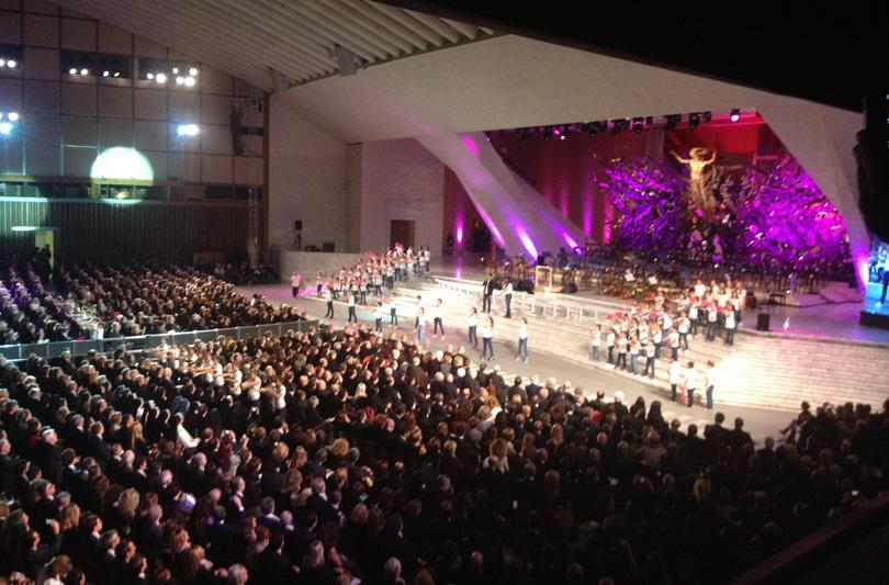 Bocelli canta in Vaticano per l'ospedale pediatrico Bambino Gesù
