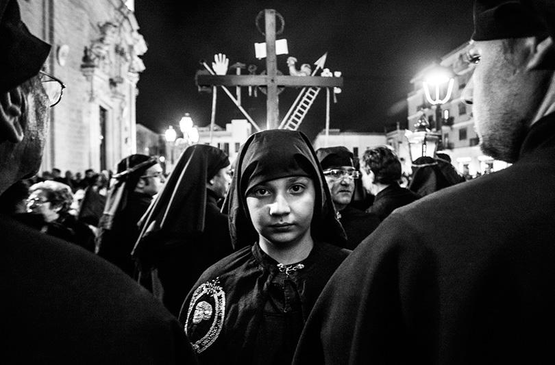 """Carlos Solito presenta a Taranto la mostra fotografica """"A Piccoli Passi"""""""