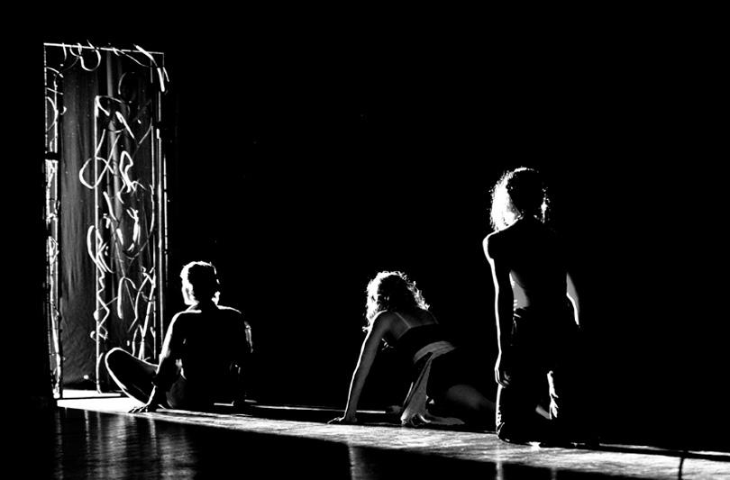 A porte chiuse. Sul palco del Piccolo Eliseo l'inferno rivive attraverso il tango