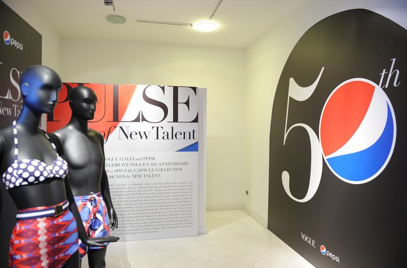 Dieci artisti internazionali interpretano lo stile Pepsi in occasione del 50° anniversario di Vogue Italia