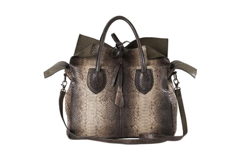 Mahl & Ross: le borse in pitone conquistano per le linee pulite