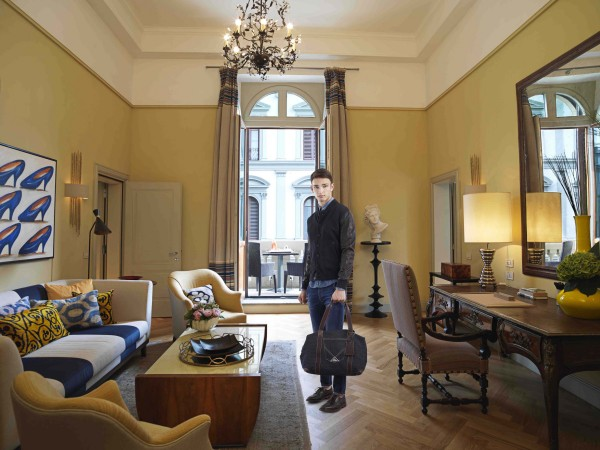 2_Hotel Savoy Florence_SUITERepubblica Suite livingroom with breakfast_RR