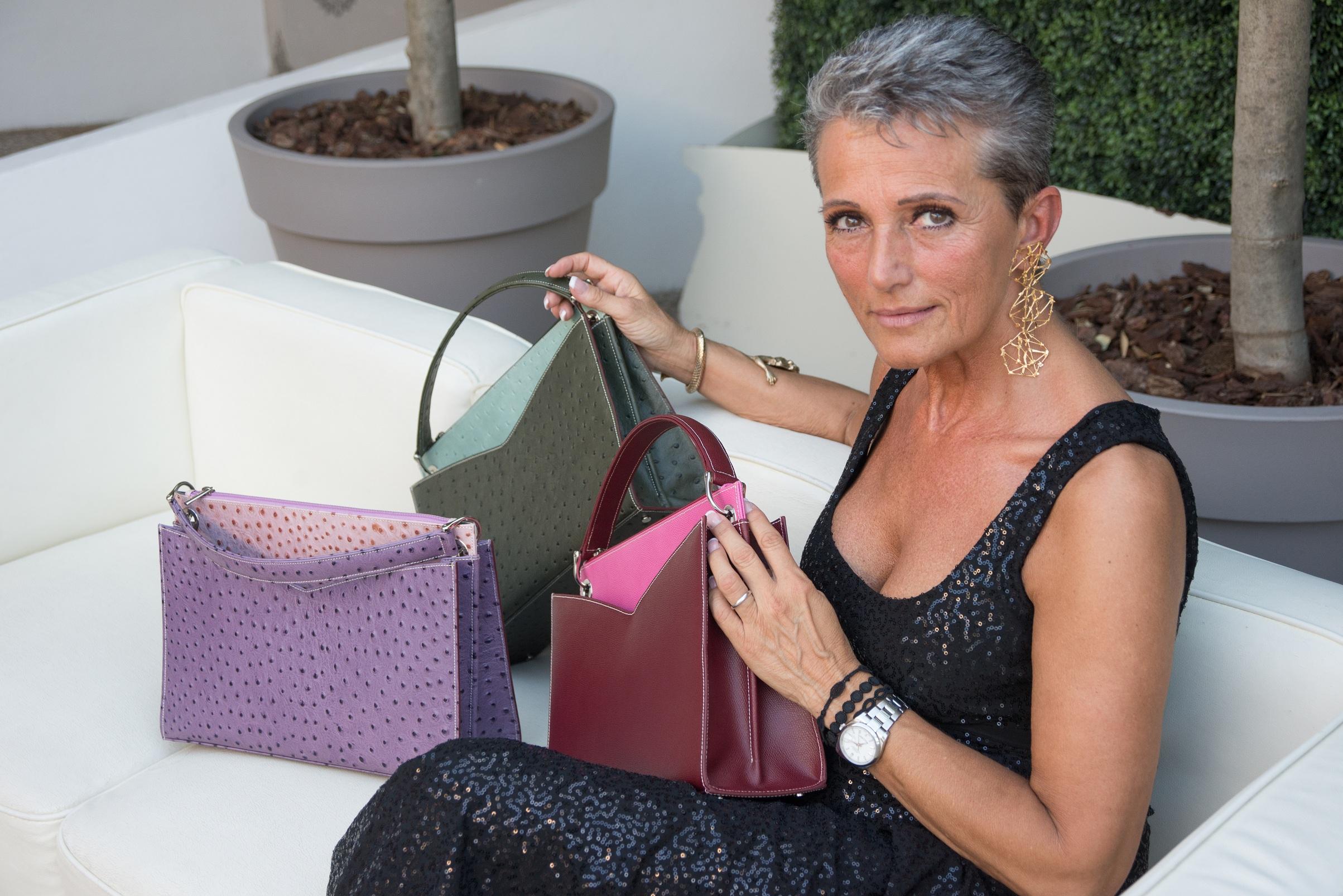 Romana Busani presenta la borsa Sophia alla MFW