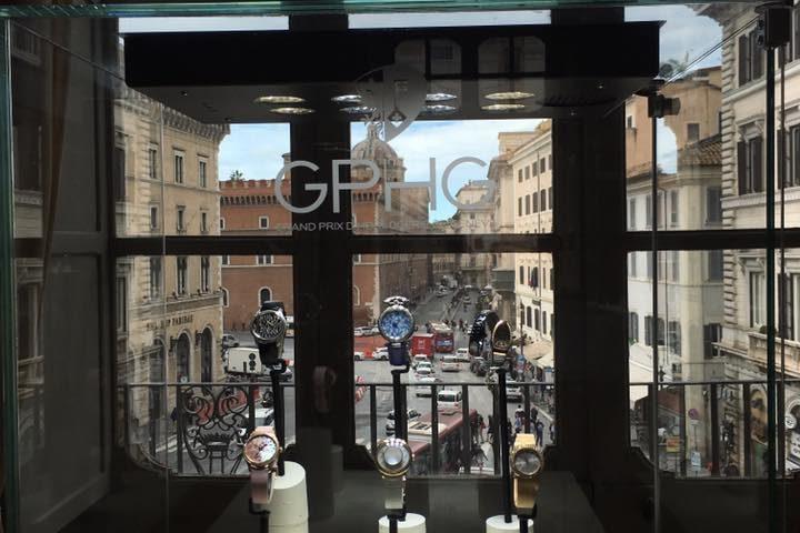 L'esposizione nella Coffee House di Palazzo Colonna in partnership con BMW.