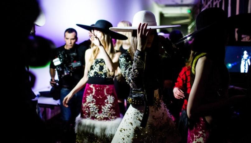 Milano Fashion Week: posti a sedere all'asta sul web a fin di bene