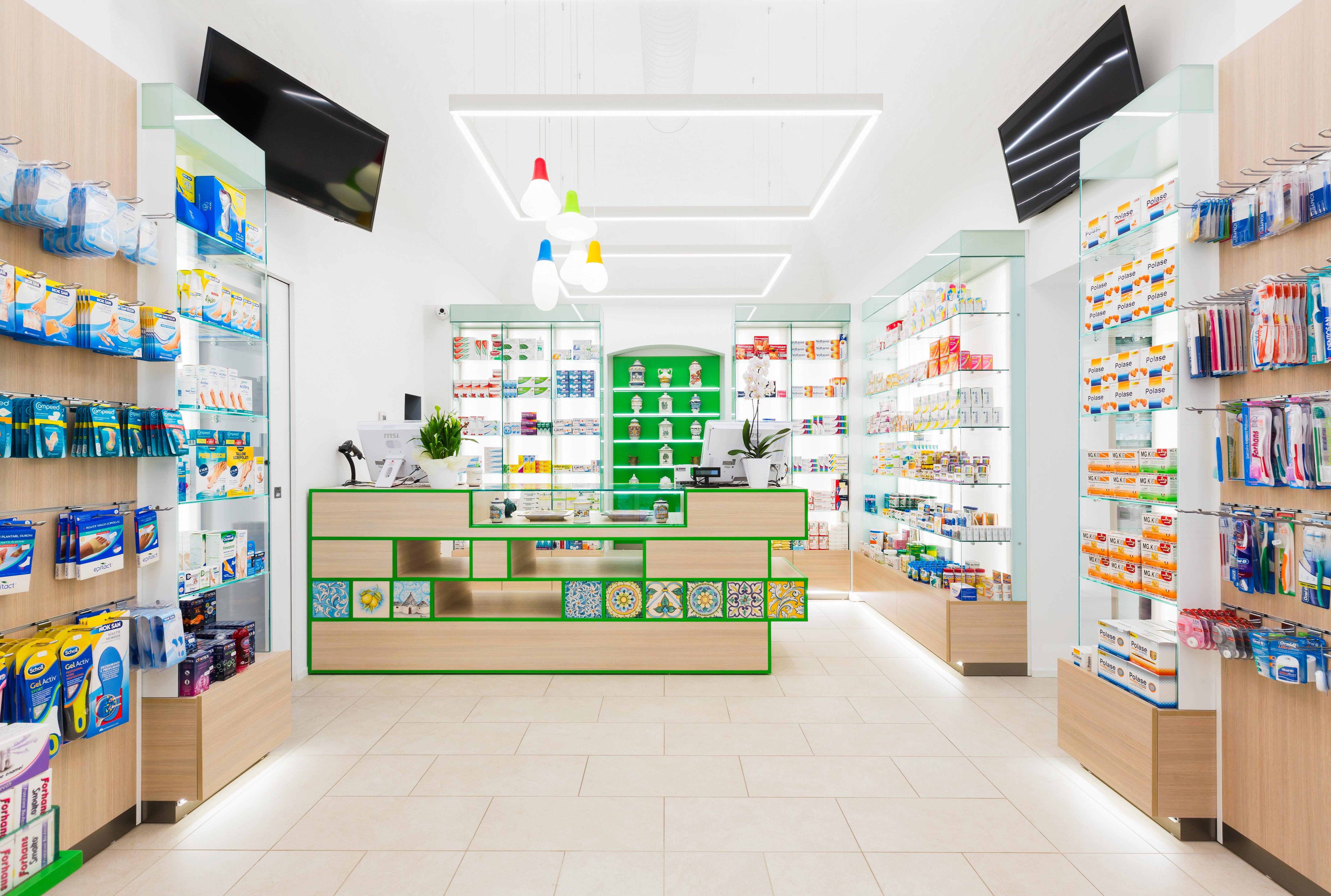 A Castellana Grotte una farmacia unisce design ed architettura