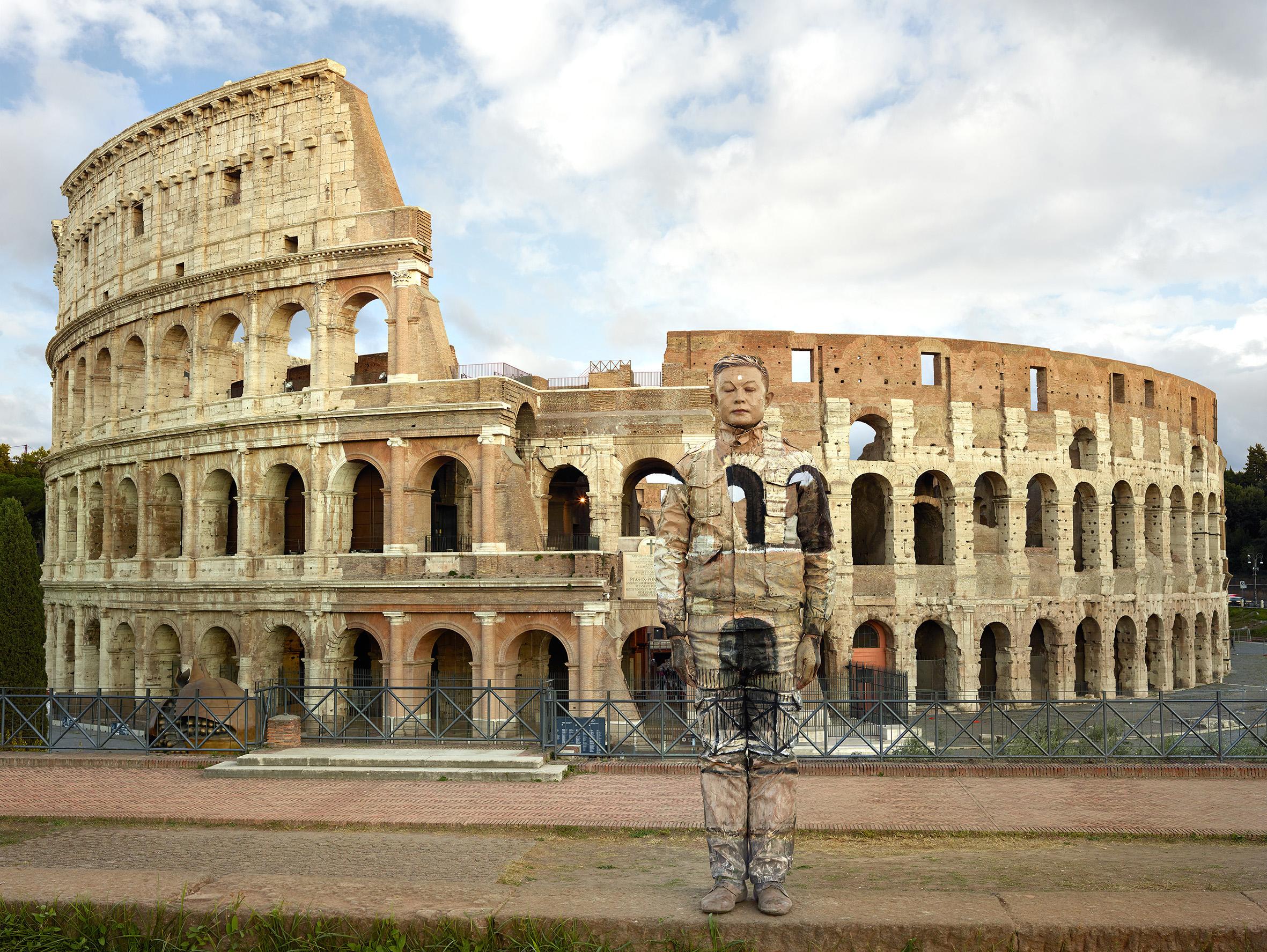 Liu Bolin. The invisible man a Roma finalmente dal 2 Marzo