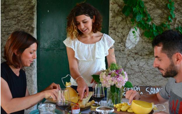 Su Airbnb volano le esperienze food