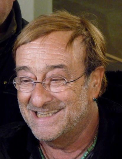 L'Angelo Bugiardo: Enzo Paci interpreta a teatro Lucio Dalla